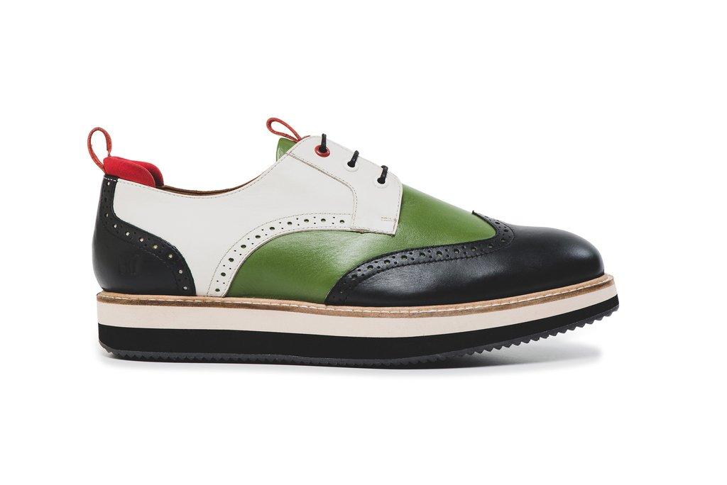 Ingin Sepatu Brand CR7 Harus Bayar Ongkir Mahal Dan Pajak